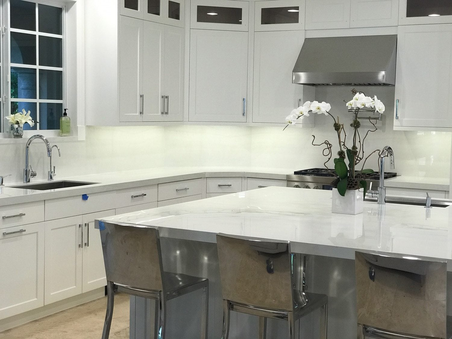 Premiere Italian Company Showcases Porcelain Countertops And Surfaces That Incorporate Cutting Edge Science And Technology Britto Charette
